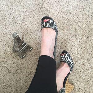🌺 Michael Kors animal print heels 8 1/2